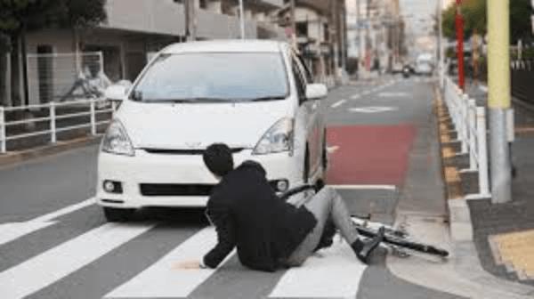 川崎市幸区のケンタッキーにワゴン車で突っ込んだ運転手の顔画像に名前は?事故の原因や理由も!