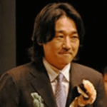 窪田康志(NGT48運営AKS代表取締役社長)の経歴や結婚した嫁(妻)の顔画像は?歴代の愛人AKBメンバーは誰?